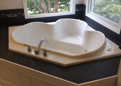 Tile Bathtub & Shower Surround (1)